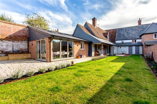 Guide Price £735,000, 3 Bedroom Terraced House For Sale in Salisbury, Wiltshire, SP5