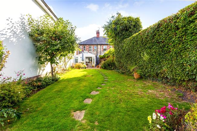 Guide Price £265,000, 2 Bedroom Terraced House For Sale in Warminster, Wiltshire, BA12