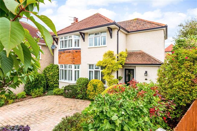 Guide Price £595,000, 4 Bedroom Detached House For Sale in Wiltshire, SP1