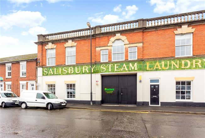 Guide Price £325,000, 3 Bedroom Terraced House For Sale in Salisbury, SP1