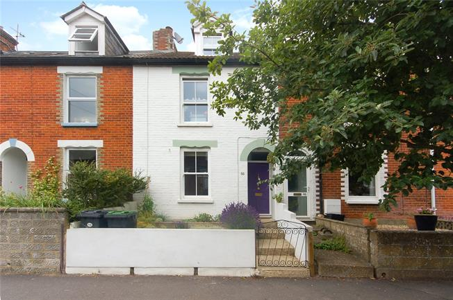 Guide Price £360,000, 3 Bedroom Terraced House For Sale in Salisbury, SP1