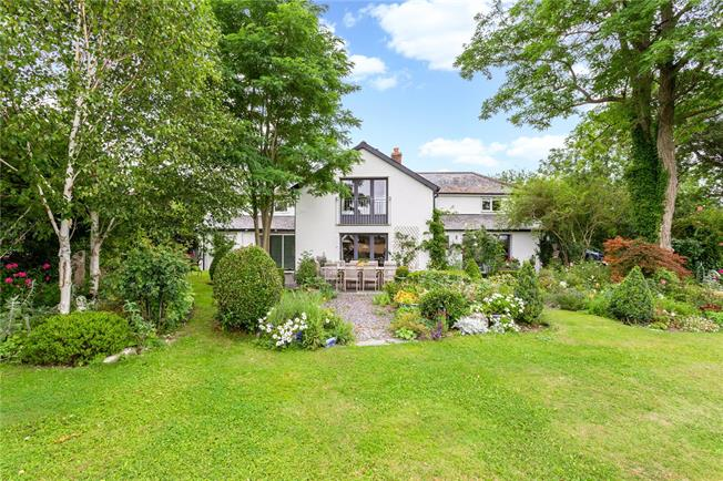 Guide Price £775,000, 5 Bedroom Detached House For Sale in Wiltshire, BA12