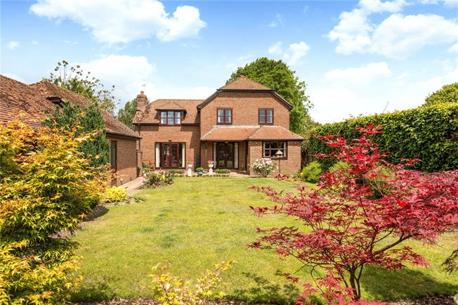 Guide Price £695,000, 4 Bedroom Detached House For Sale in Downton, SP5