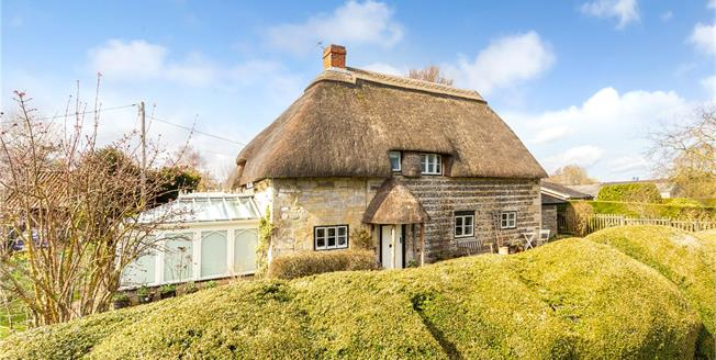 Guide Price £425,000, 3 Bedroom Detached House For Sale in Wylye, BA12