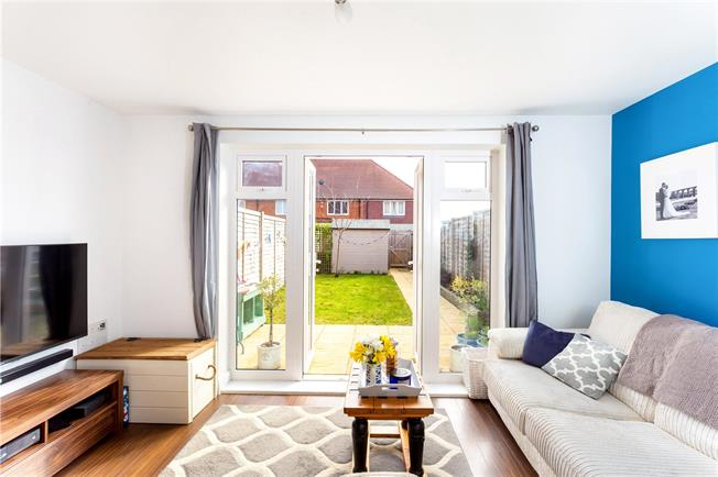 Guide Price £250,000, 2 Bedroom Terraced House For Sale in Bishopdown, SP1
