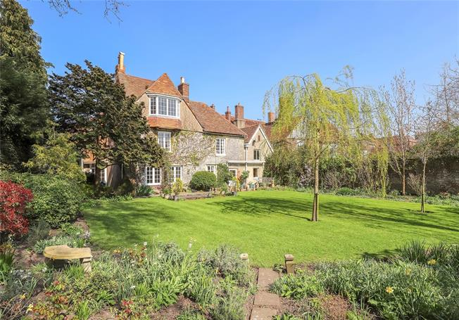 Guide Price £1,500,000, 5 Bedroom House For Sale in Salisbury, SP1