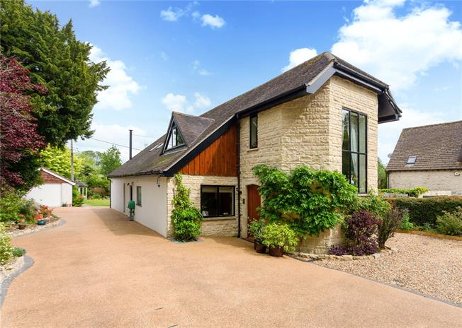 Guide Price £875,000, 5 Bedroom Detached House For Sale in Dinton, SP3
