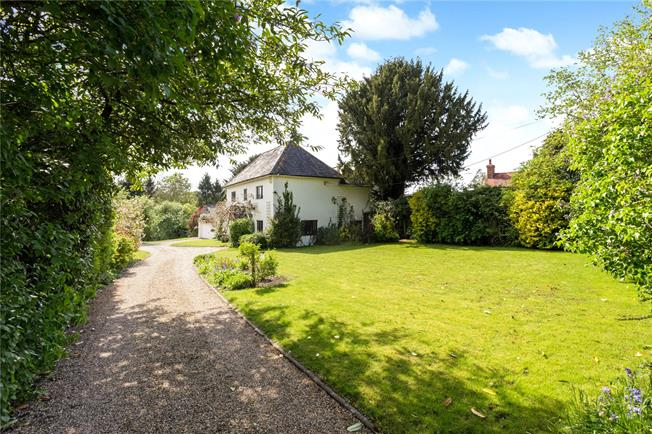 Guide Price £750,000, 3 Bedroom Detached House For Sale in Netton, SP4