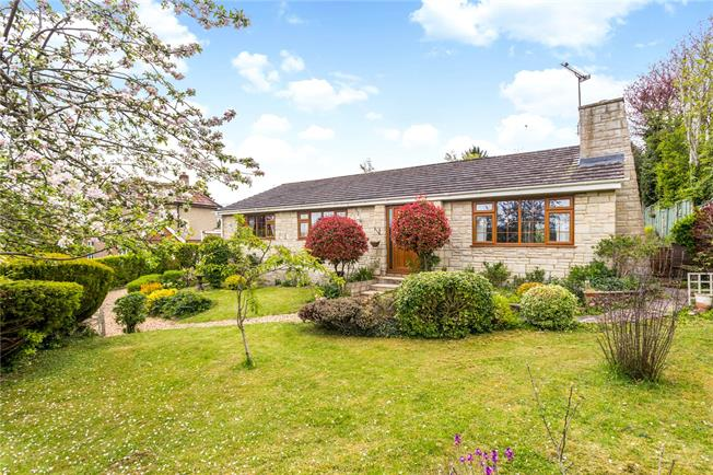 Guide Price £450,000, 3 Bedroom Bungalow For Sale in Salisbury, Wiltshire, SP4