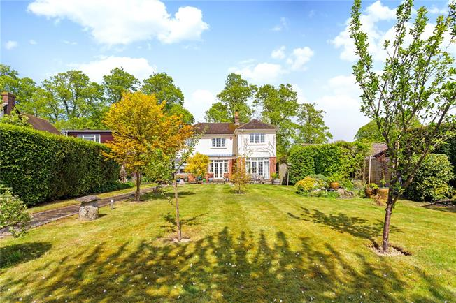 Guide Price £525,000, 3 Bedroom Detached House For Sale in Amesbury, SP4