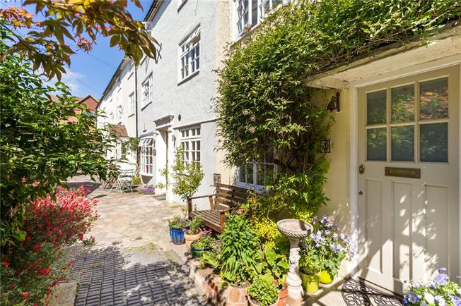 Guide Price £200,000, 2 Bedroom Terraced House For Sale in Salisbury, SP1