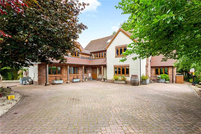 Guide Price £850,000, 7 Bedroom Detached House For Sale in Salisbury, Wiltshire, SP4