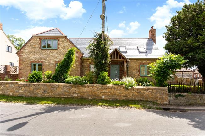 Guide Price £675,000, 4 Bedroom Detached House For Sale in Heytesbury, BA12