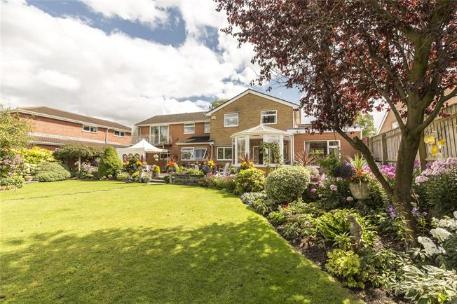 Guide Price £849,995, 5 Bedroom Detached House For Sale in Salisbury, Wiltshire, SP1