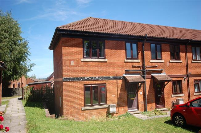 Guide Price £165,000, 2 Bedroom End of Terrace House For Sale in Salisbury, SP2