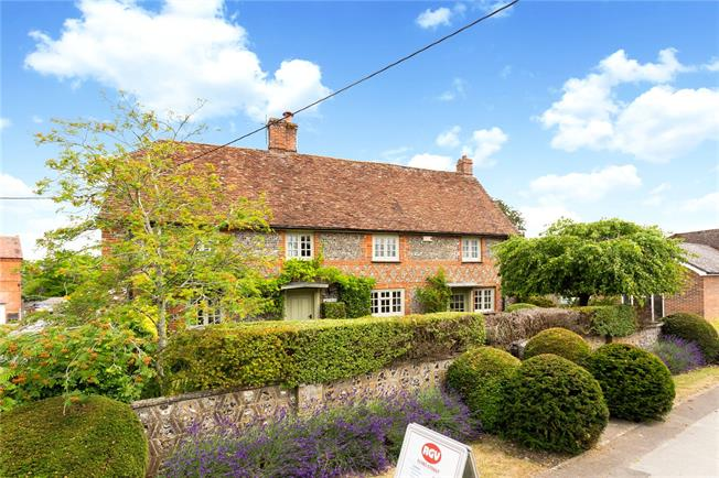 Guide Price £650,000, 6 Bedroom Detached House For Sale in Netheravon, SP4
