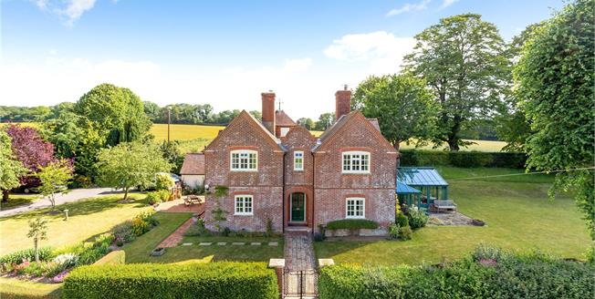 Guide Price £1,150,000, 4 Bedroom Detached House For Sale in Whiteparish, SP5
