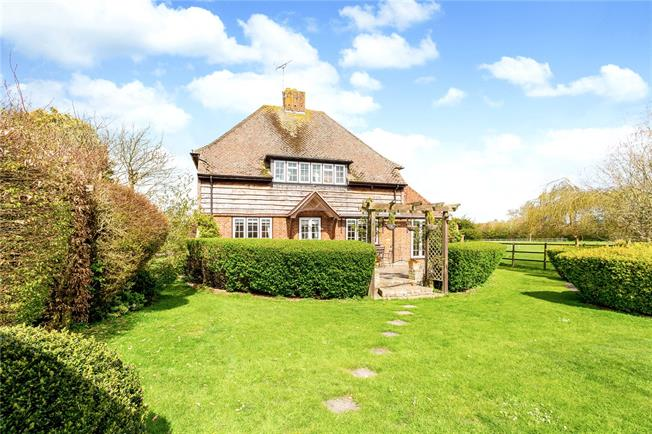 Guide Price £695,000, 3 Bedroom Detached House For Sale in Downton, SP5