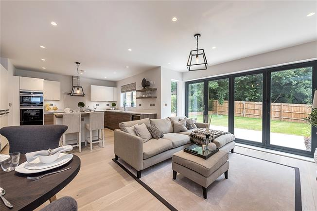 Guide Price £1,575,000, 4 Bedroom Terraced House For Sale in Buckinghamshire, SL9