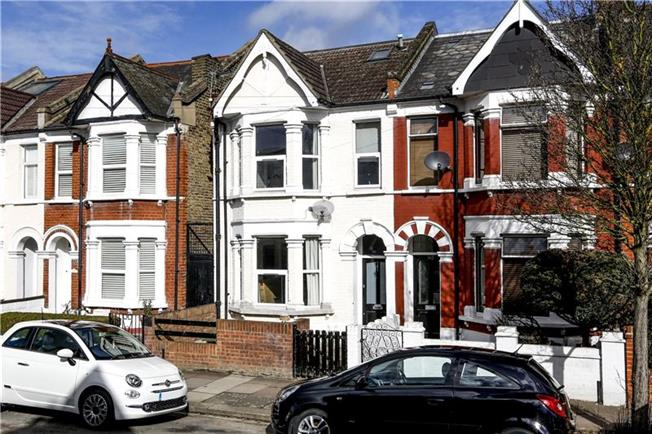 Guide Price £850,000, 4 Bedroom Terraced House For Sale in London, SW18