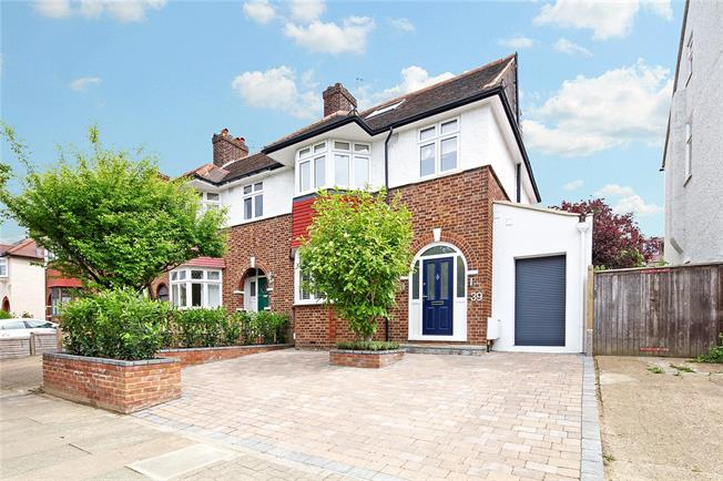 Asking Price £1,300,000, 4 Bedroom Semi Detached House For Sale in London, SW18