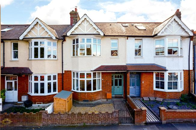 Guide Price £850,000, 3 Bedroom Terraced House For Sale in London, SW18