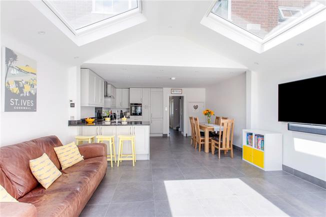 Asking Price £799,995, 3 Bedroom Terraced House For Sale in London, SW18