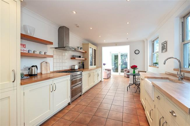 Asking Price £900,000, 4 Bedroom Terraced House For Sale in London, SW18