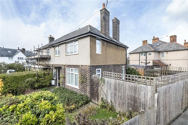 Guide Price £700,000, 3 Bedroom Semi Detached House For Sale in London, SW18
