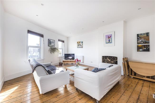 Asking Price £495,000, 2 Bedroom Flat For Sale in London, SW17