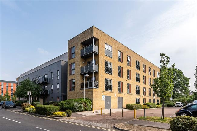 Asking Price £350,000, 1 Bedroom Flat For Sale in London, SW17