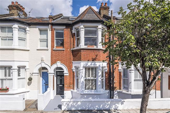 Asking Price £495,000, 1 Bedroom Flat For Sale in London, SW18
