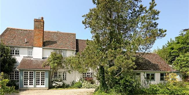 Guide Price £1,250,000, 4 Bedroom Detached House For Sale in Oxford, OX44