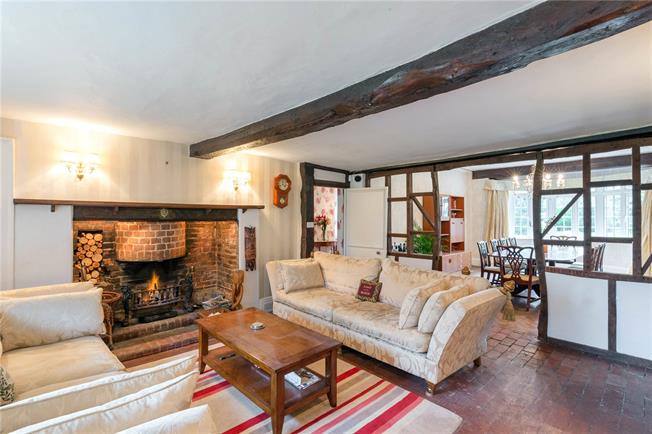 Guide Price £1,375,000, 7 Bedroom Detached House For Sale in Appleford, OX14