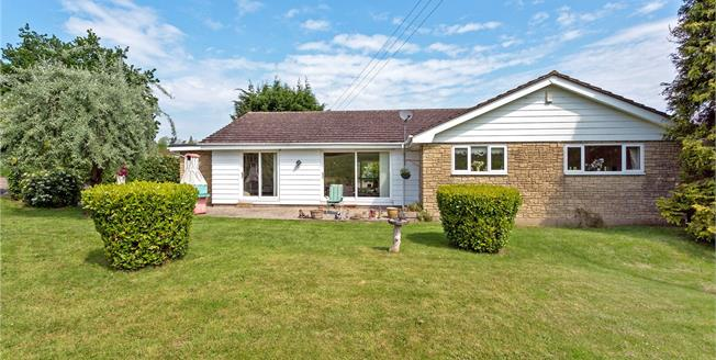 Asking Price £675,000, 3 Bedroom Bungalow For Sale in Littleworth, OX33
