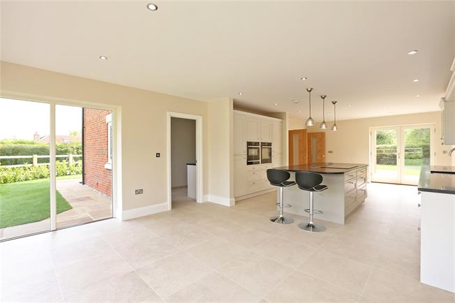 Asking Price £950,000, 4 Bedroom Detached House For Sale in Beckley, OX3