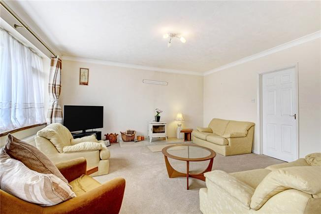 Asking Price £750,000, 3 Bedroom Detached House For Sale in Didcot, OX11