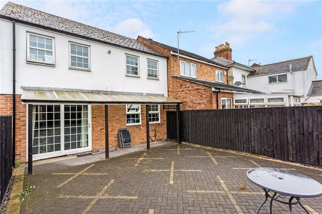 Guide Price £399,950, 2 Bedroom Semi Detached House For Sale in Headington, OX3