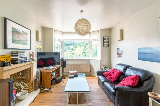 Guide Price £399,995, 3 Bedroom Detached House For Sale in Headington, OX3