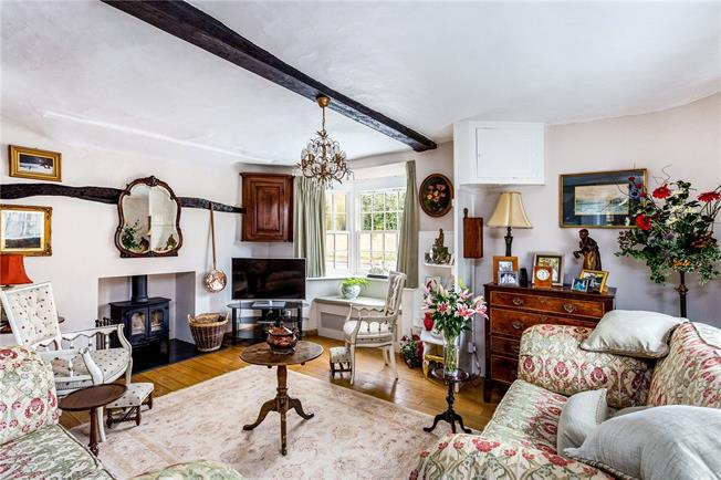 Guide Price £699,500, 3 Bedroom Semi Detached House For Sale in Thame, OX9