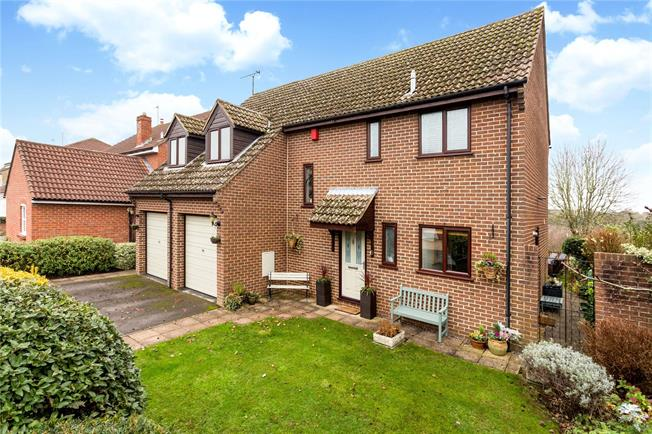 Asking Price £650,000, 4 Bedroom Detached House For Sale in Wootton, OX13