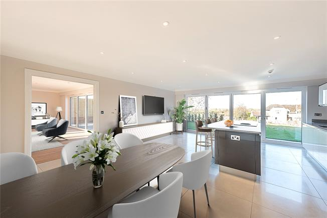 Asking Price £1,150,000, 5 Bedroom Detached House For Sale in Buckinghamshire, HP18