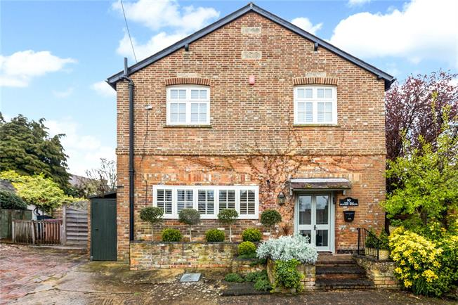 Asking Price £800,000, 4 Bedroom Detached House For Sale in Brill, HP18
