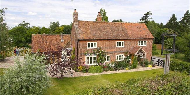 Guide Price £1,500,000, 4 Bedroom Detached House For Sale in Wheathampstead, AL4