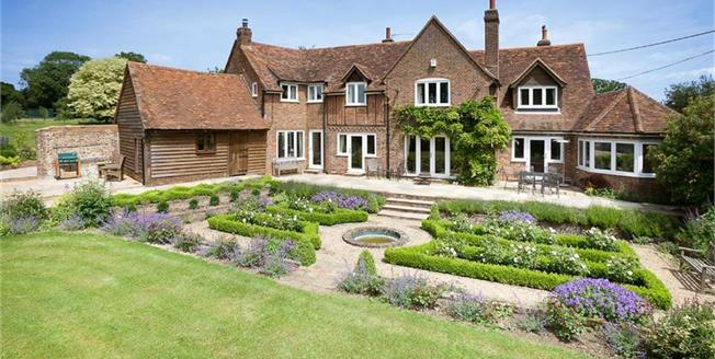 Guide Price £1,875,000, 5 Bedroom Detached House For Sale in Flamstead, AL3