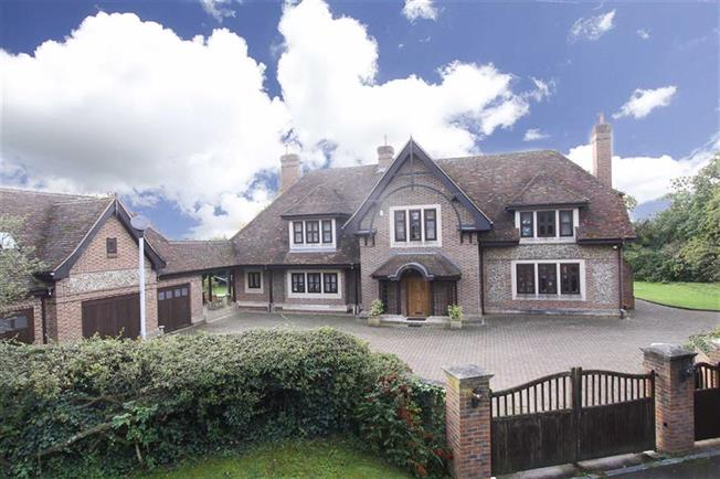 Guide Price £2,350,000, 5 Bedroom Detached House For Sale in Markyate, AL3