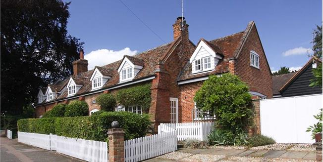 Guide Price £1,240,000, 5 Bedroom Detached House For Sale in Codicote, Hertfordshire, SG4