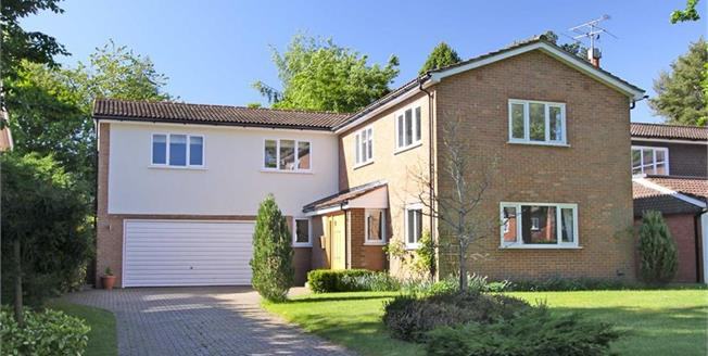Guide Price £1,100,000, 5 Bedroom Detached House For Sale in Blackmore End, Hertfordsh, AL4
