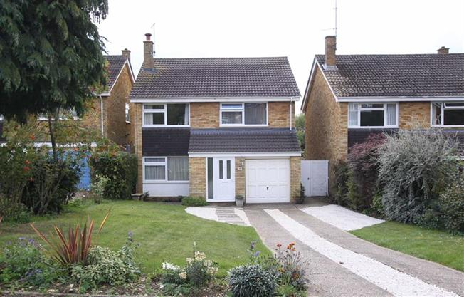Guide Price £595,000, 4 Bedroom Detached House For Sale in Kimpton, SG4