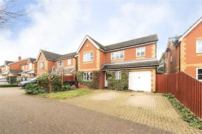 Guide Price £735,000, 4 Bedroom Garage For Sale in Redbourn, AL3
